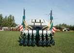 Siewnik punktowy do kukurydzy i buraków 8 rzędowy rozstawy 75 i 45 cm