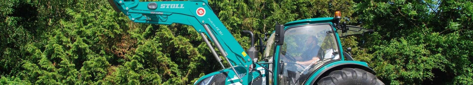 zielony ładowacz czołowy stoll profiline fz na zielonym traktorze arbos Korbanek.pl