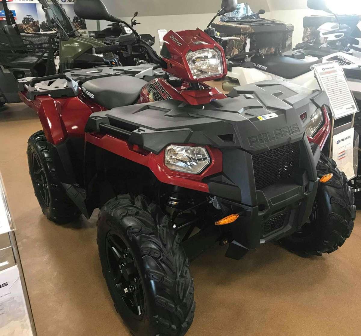Sportsman 570 EPS Polaris Quad z homologacja T3 kolor czerwony alufelgi klasyczna kierownica motocyklowa  lusterka w na kierownicy