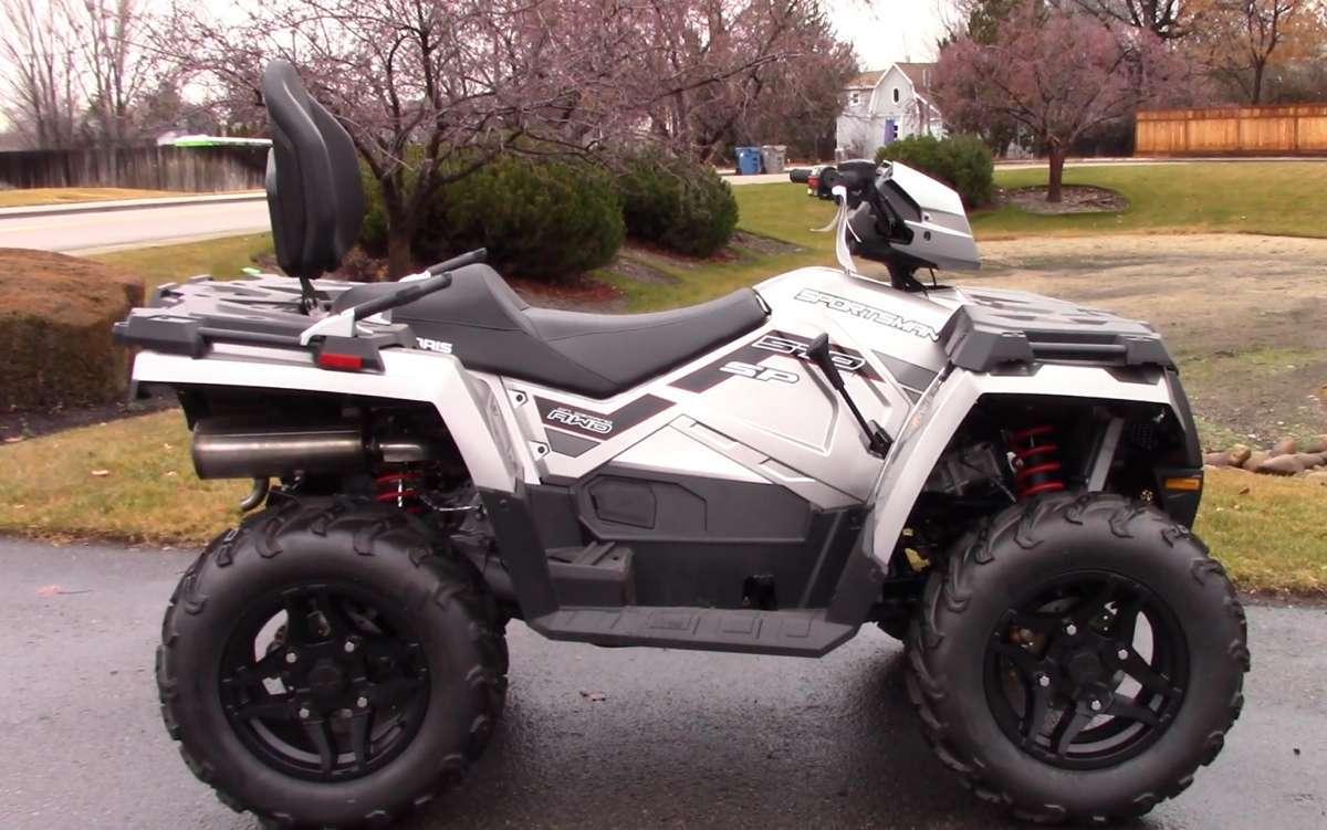 Quad Polaris Sportsman 570 SP Touring z homologacja T3 kolor srebrny alufelgi klasyczna kierownica motocyklowa lusterka w na kierownicy wersja dla dwóch osób