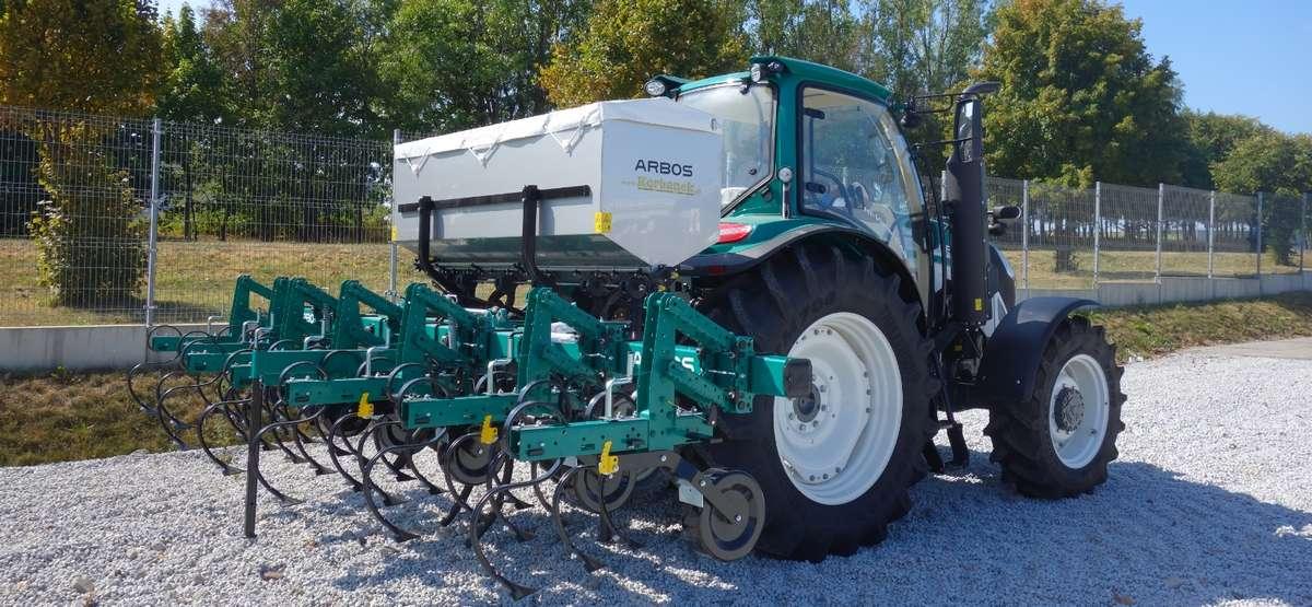 Pielnik 6-rzędowy do kukurydzy z podsiewaczem nawozów ARBOS Unica