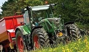 Ciągnik rolniczy Fendt 700 Vario Profi Plus