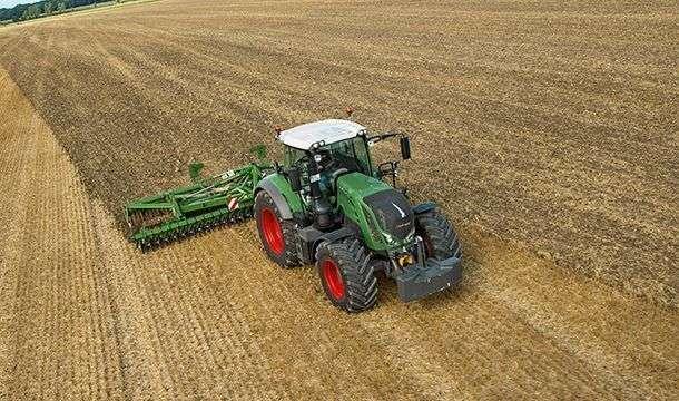 Ciągnik rolniczy Fendt 800 Vario S4 Profi