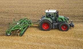 Ciągnik rolniczy Fendt 800 Vario Profi Plus