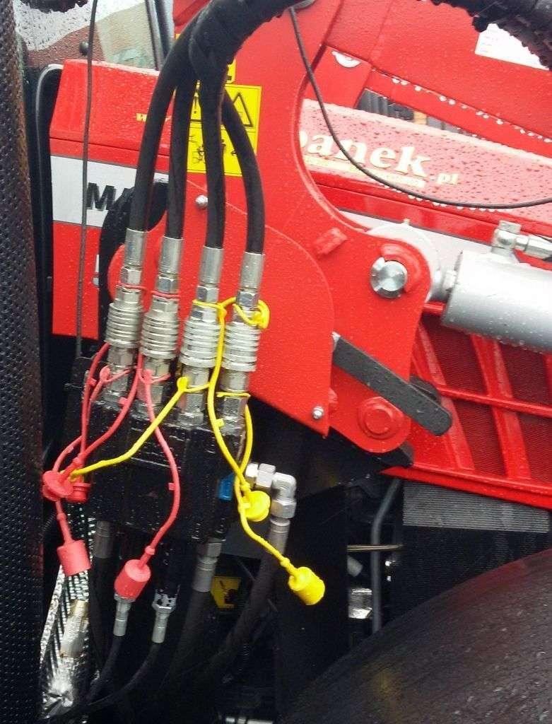 Atuty ładowacza Hydramet wersji M - sztywna rama, perfekcyjne spawy, ukryte w ramie przewody hydrauliczne.