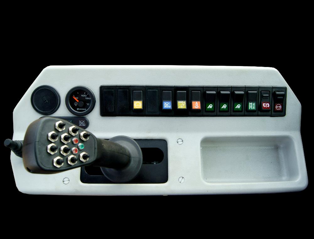Joystick i panel obsługowy opryskiwacza HERKULES