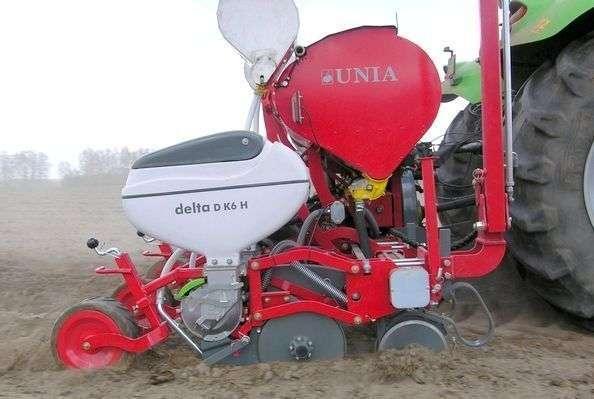 Siewnik punktowy do kukurydzy Unia Delta 6-rzędowy talerzowy