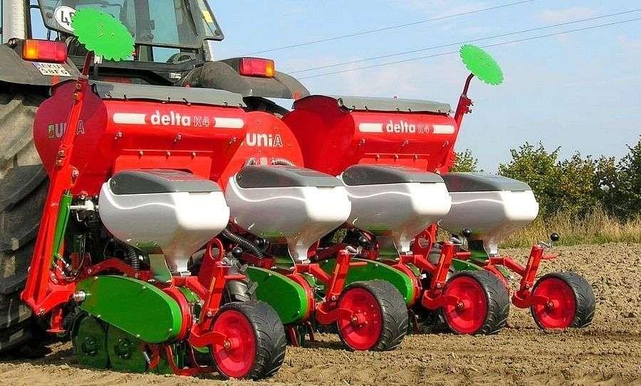 Siewnik punktowy do kukurydzy pneumatyczny Unia DELTA